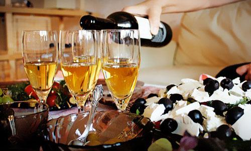 Видеть во сне шампанское