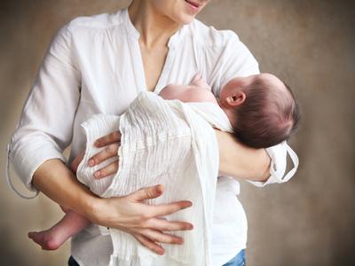 Сонник держать чужого ребенка на руках. к чему снится держать чужого ребенка на руках видеть во сне - сонник дома солнца