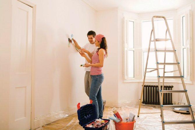 Убирать пыль в бывшей квартире