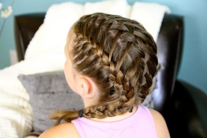 Заплетенные волосы в косу