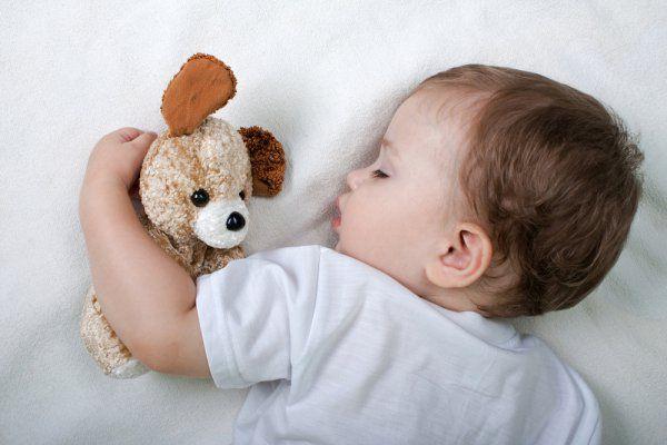 Младенец может потеть, если ему жарко
