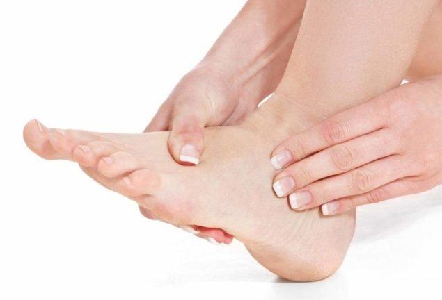 Боль в ступнях ног по утрам