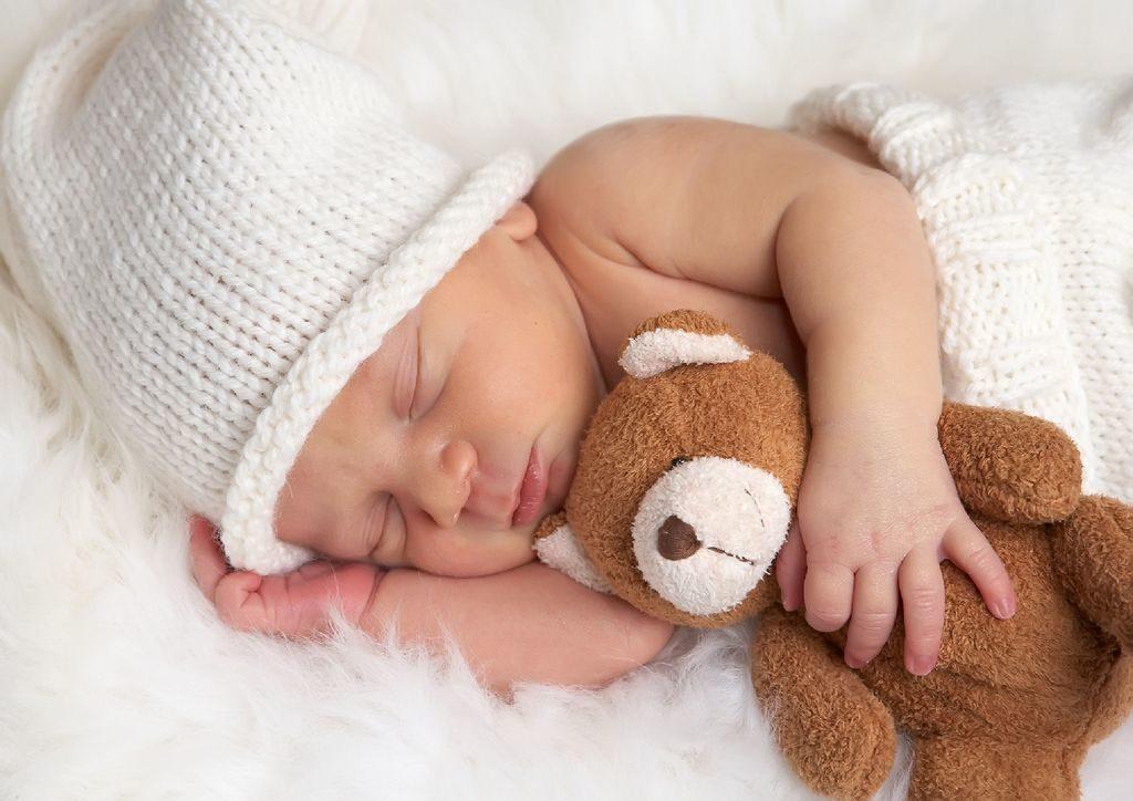 Как уложить спать новорожденного