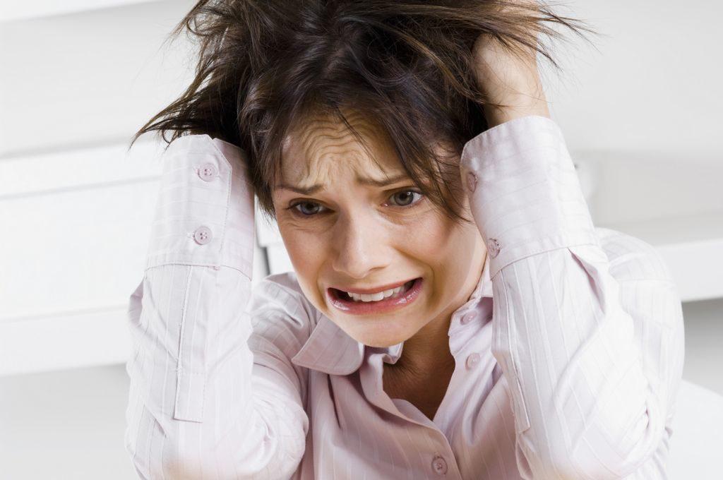 Причиной кошмаров может быть стресс