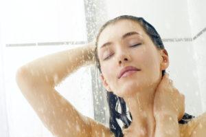 Расслабляющий теплый душ