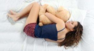 Приучаем себя спать на боку