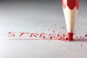 Стресс тоже может стимулировать ночное потоотделение