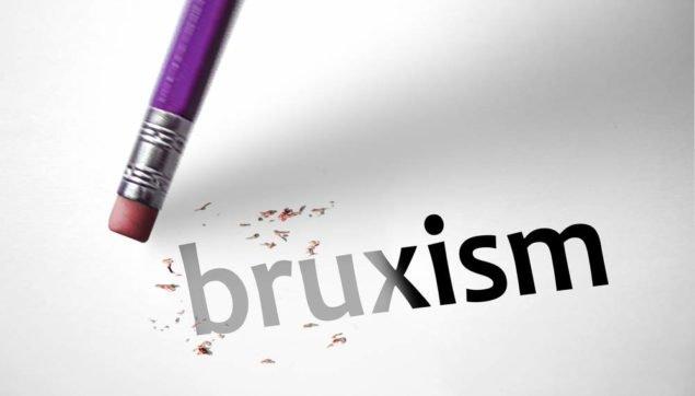 Скрипение зубами называется бруксизмом