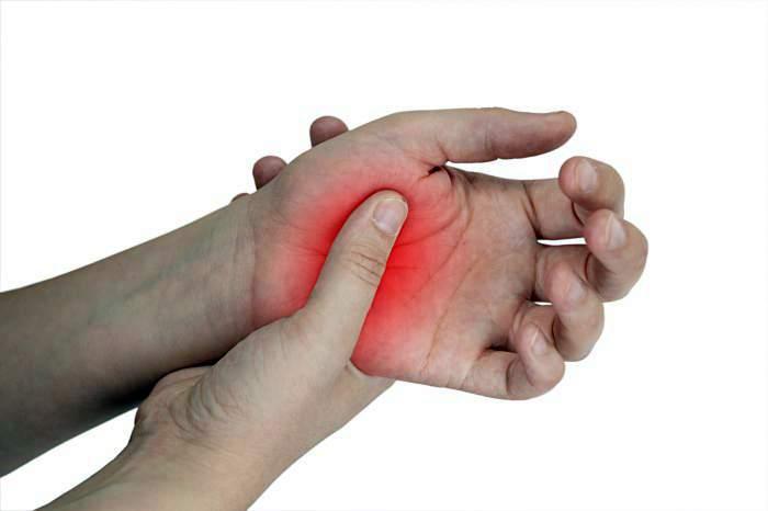 Проверить немеет ли большой палец