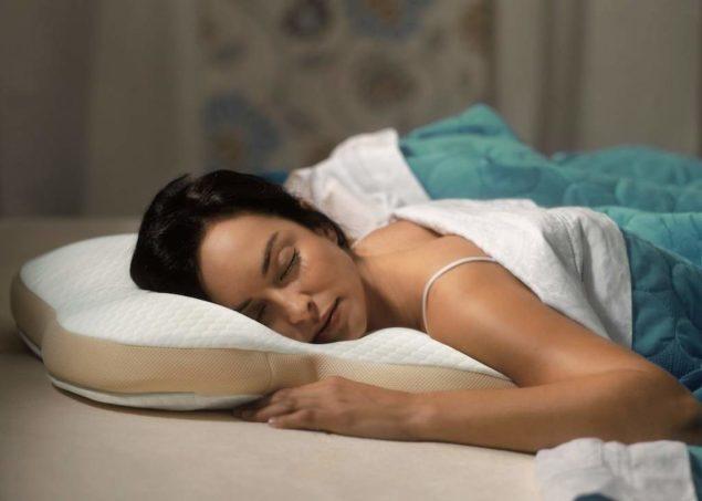 Мягкая подушка для сна на животе