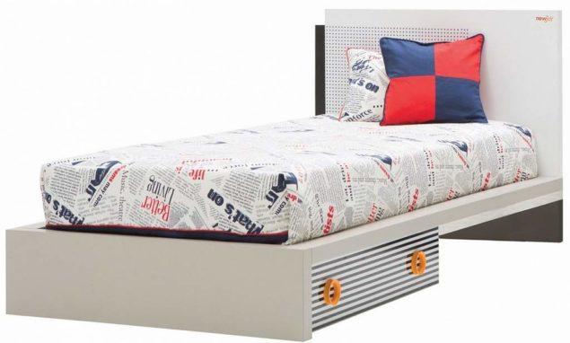 Подростковая кровать с матрасом