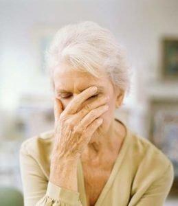 Одиночество и стрессы - одна из причин инсомнии у пожилых