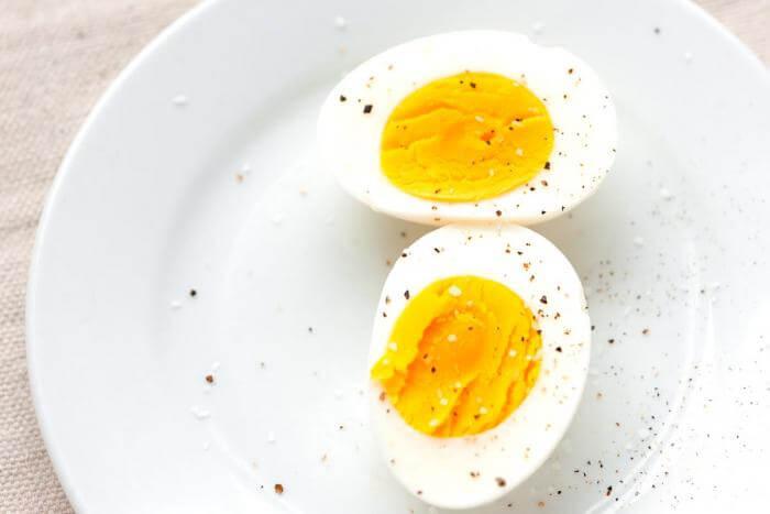 Синица гнездо яйца