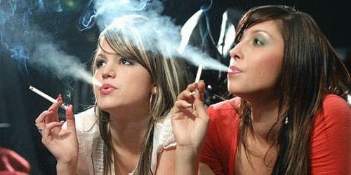 К чему снится курить — толкование сна по сонникам