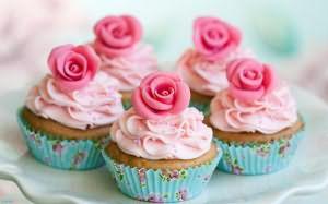 К чему снится пирожное: девушке, женщине, беременной, мужчине – толкование по разным сонникам