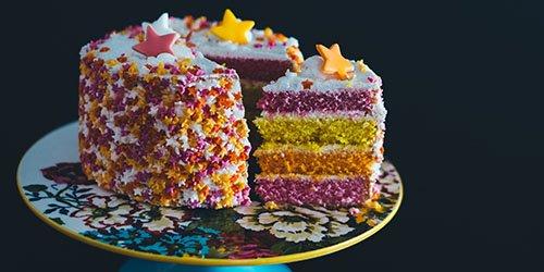 К чему снятся пирожные: значение сна, в котором приснилось видеть, кушать или покупать сладость с кремом
