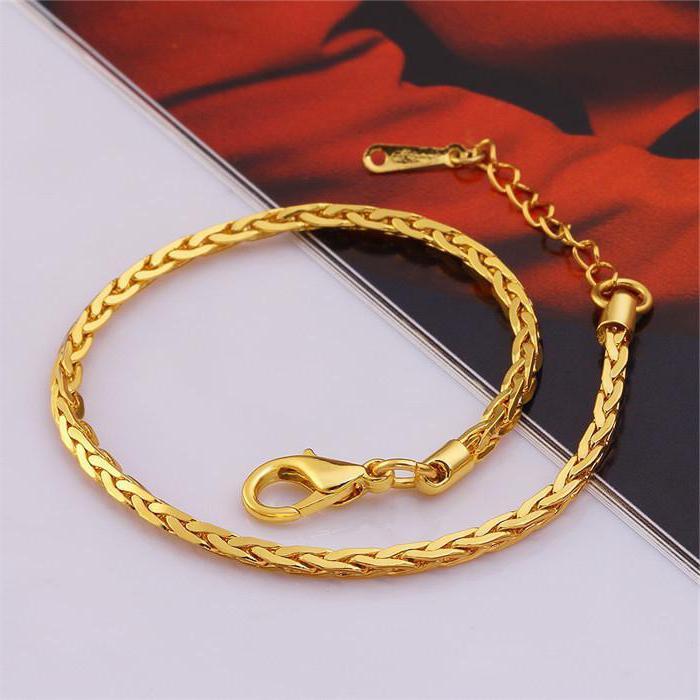 Подарили золотое кольцо и браслет