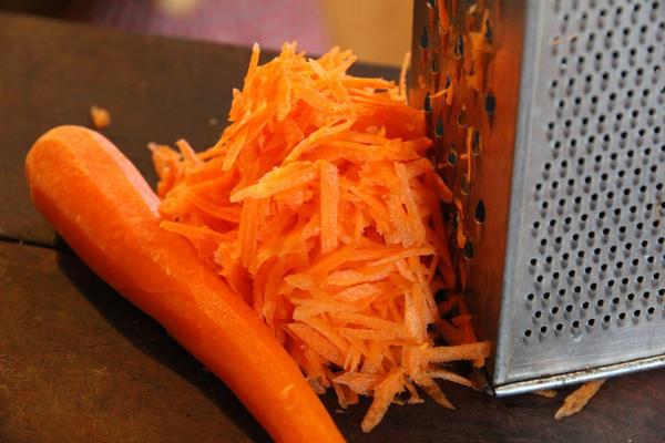 Сонник собирать морковь с грядки