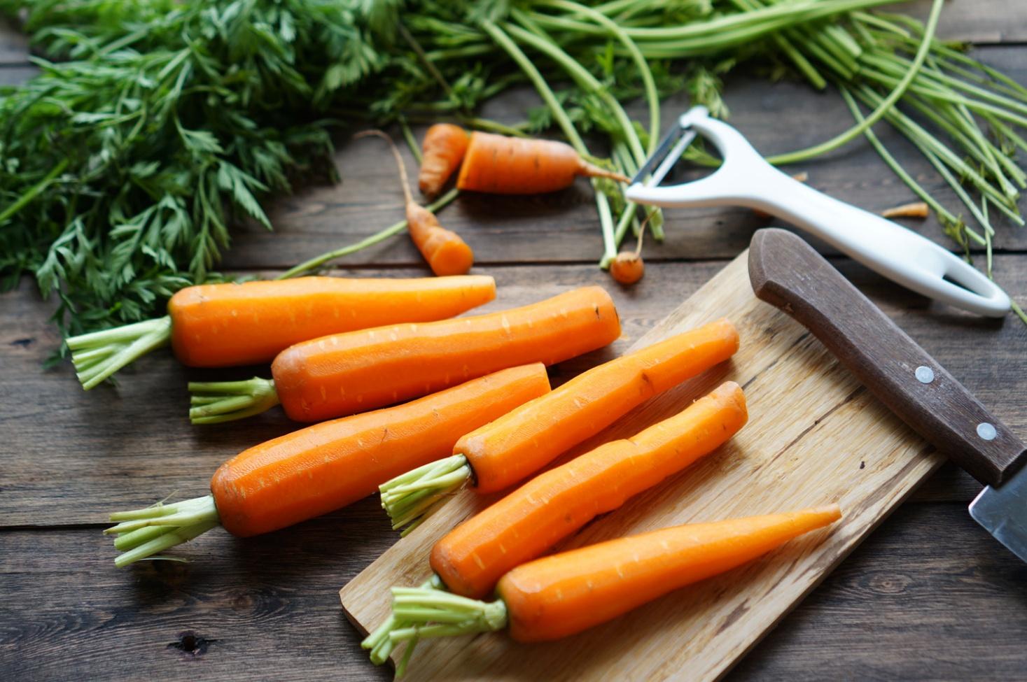 К чему снится морковь женщине, на грядке, свежая, чистая, большая
