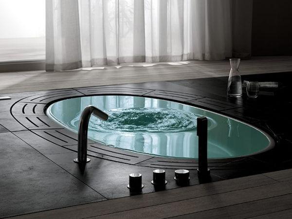 Мыть ванну