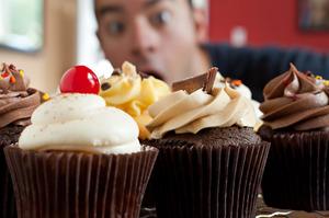 К чему снится пирожное во сне — по 90 сонникам! если видишь во сне пирожное что значит?