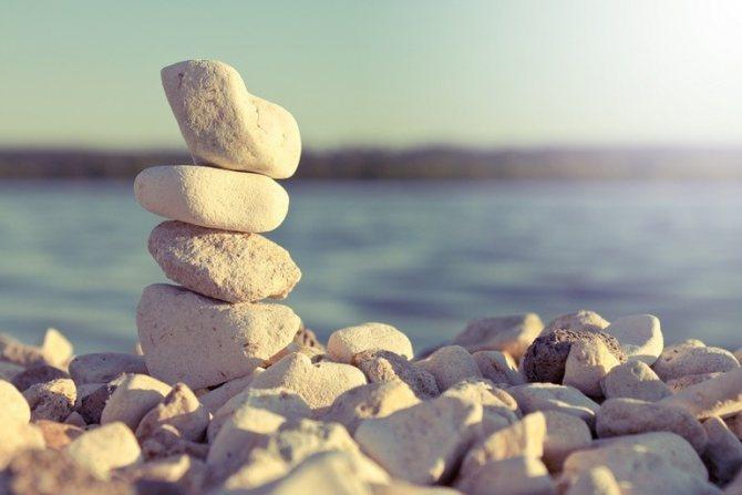 Сонник кинули в меня камень. к чему снится кинули в меня камень видеть во сне - сонник дома солнца. страница 2